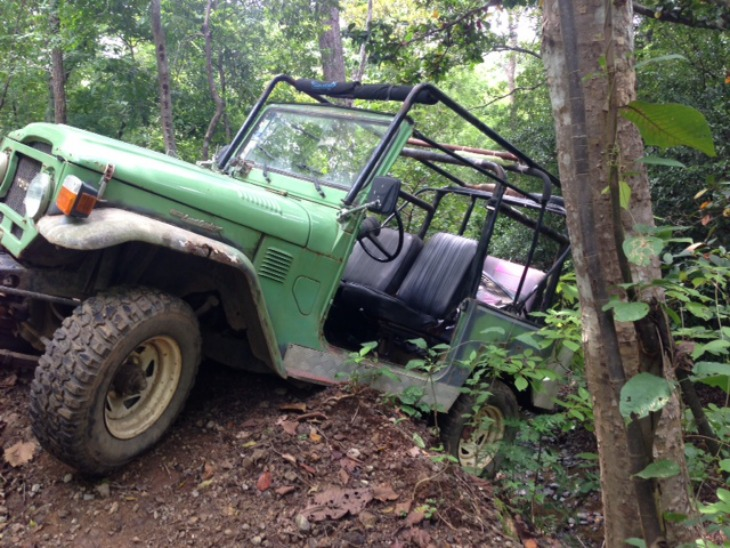 Harris' Jeep almost falls off a cliff