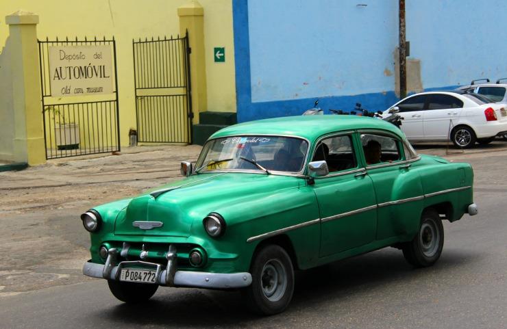 Green Car Cuba