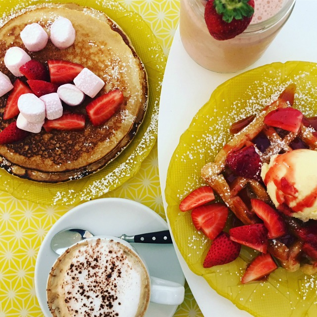 Sally Sucra barcelona Brunch Strawberry Pancakes Wanderlust Living