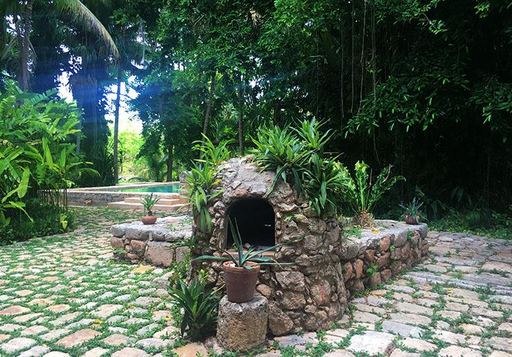 hacienda-petac-grounds-and-pool-wanderlust-living