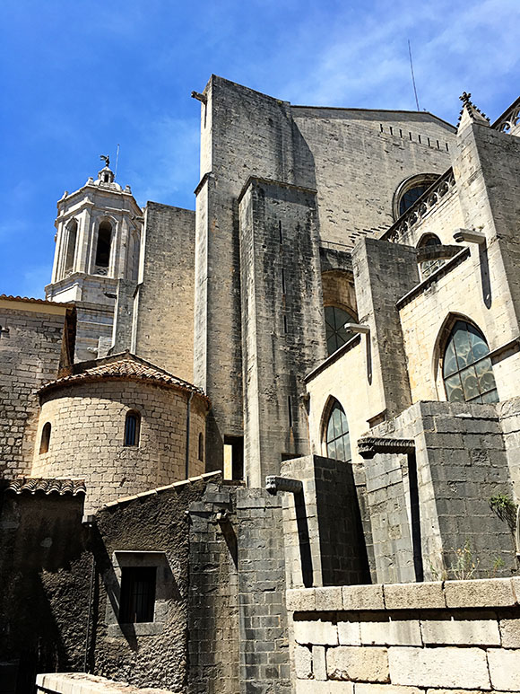 girona-cathedral-spain-arcitecture-wanderlust-living