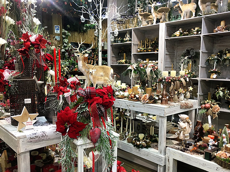christmas-in-barcelona-florista-navarro-eixample-decorations-wanderlust-living